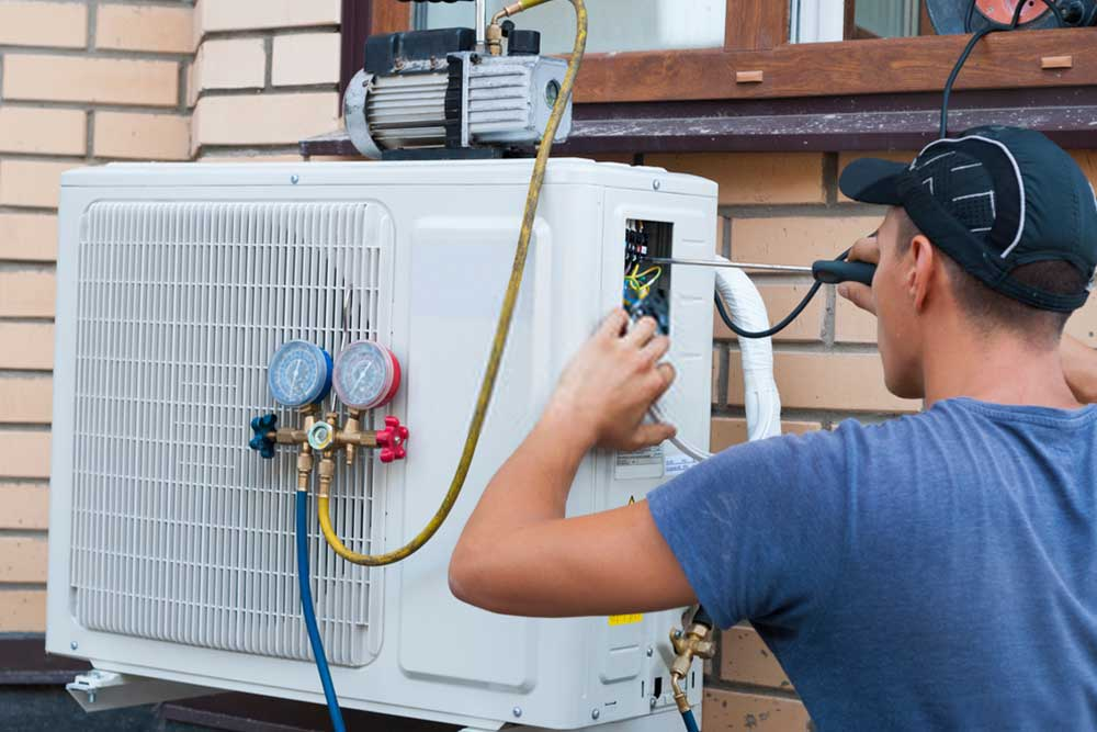 AC Servicing repair and maintenance technicians